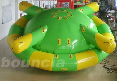 ประเทศจีน Double Layer PVC Fabric Inflatable Saturn Rocker / Inflatable Floating Spinner โรงงาน