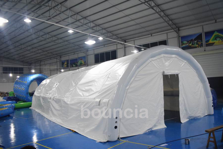 Durable White Outdoor Airtight Tent / Inflatable Event Tent With 0.9mm PVC Tarpaulin ผู้ผลิต