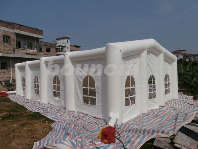 12mL*6mW*3.35mH White Inflatable Wedding Tent With 210D PVC Coated Nylon ผู้ผลิต