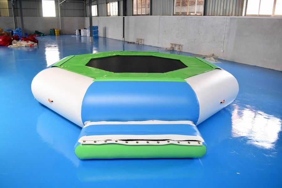 Water Trampoline Combo , Inflatable Water Trampoline With Slide For Fun ผู้ผลิต