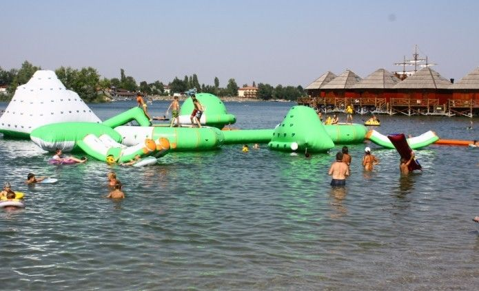 Commercial Inflatable Water Park /  Floating Water Playground For Adults Or Children ผู้ผลิต